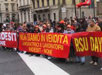 thumbnail of La grande manifestazione dei lavoratori Indesit a Torino il 20 marzo 2009_2