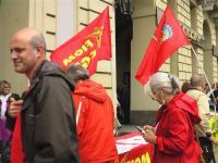 thumbnail of Il banchetto per la raccolta firme